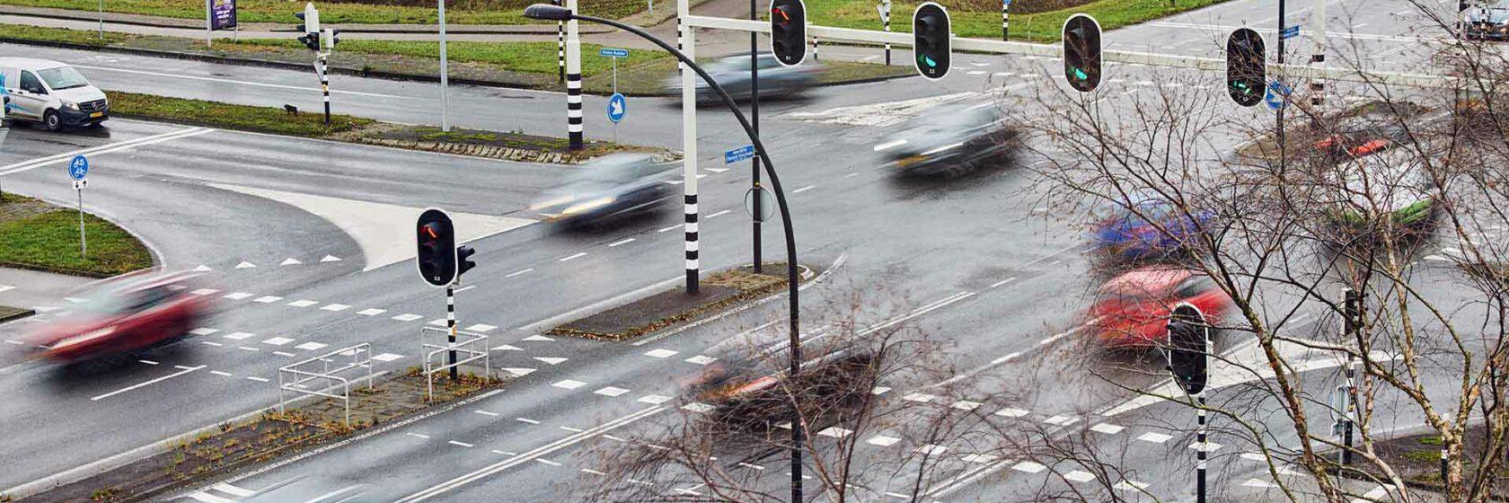 Verkeer op de Slimme Ringweg van Almelo waar gebruik wordt gemaakt van Smart Traffic
