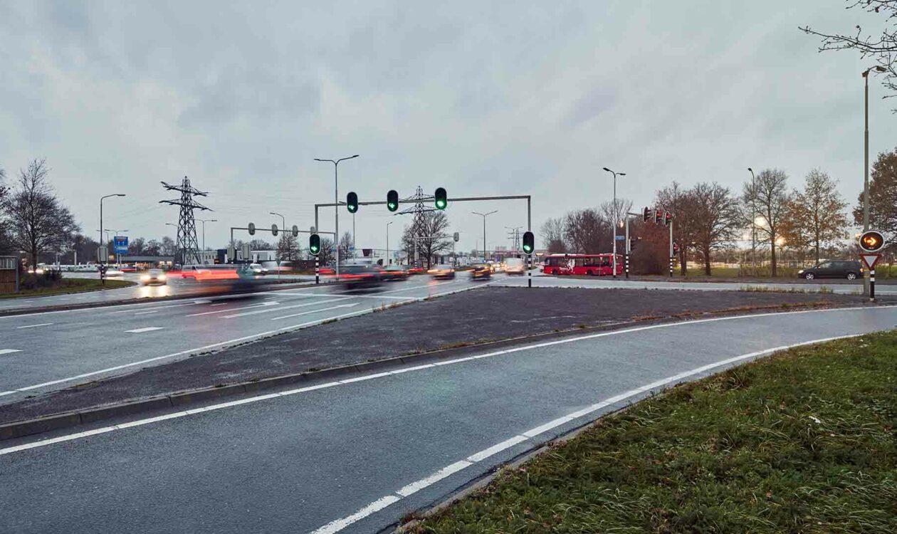 Verkeer op de ringweg van Almelo Nederland