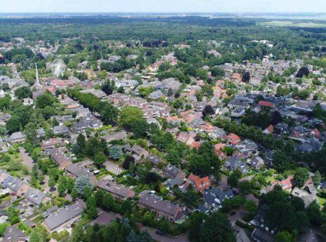 Luchtfoto van Bijvanck in Blaricum Laren