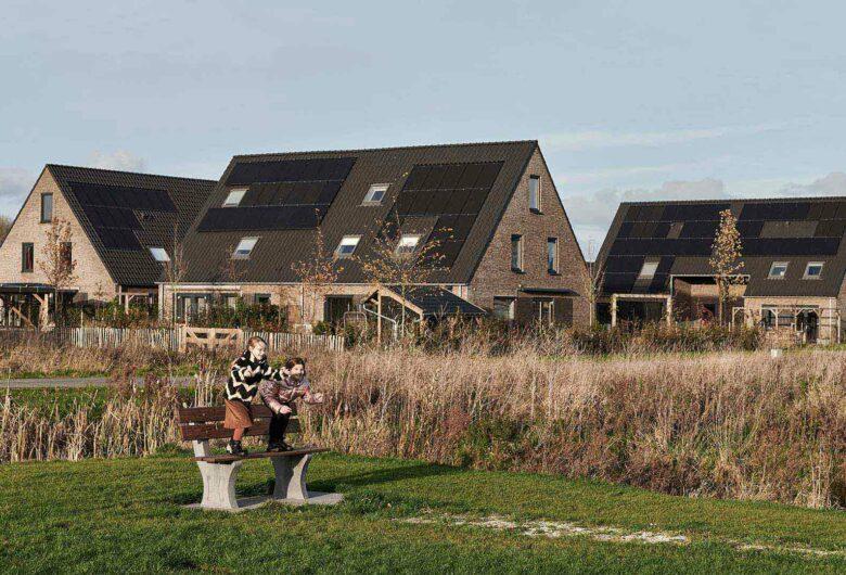 spelende kinderen in duurzame woonwijk Leeuwarden
