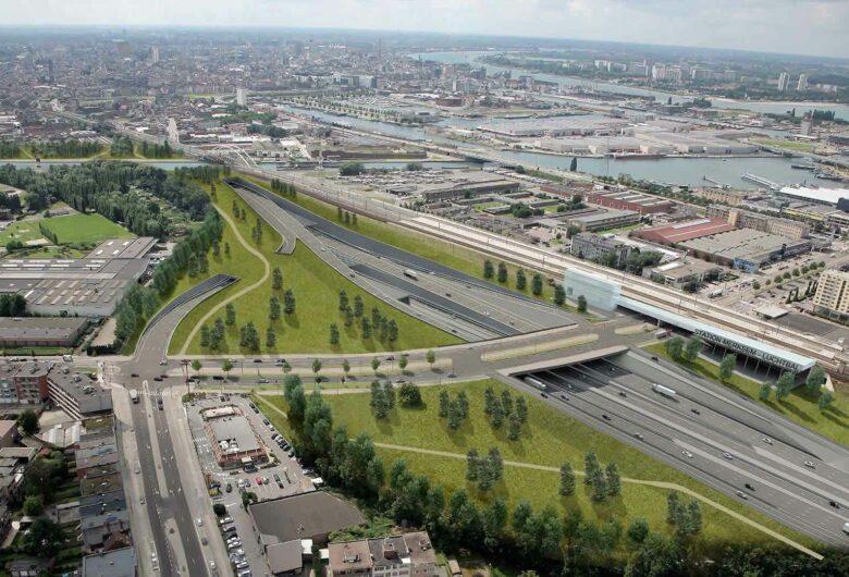 Luchtfoto van verkeer Oosterweel Antwerpen in België