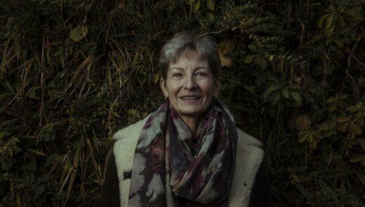 Ervaren professional Annette Buunen van Bergen medewerker van Sweco voor achtergrond met planten
