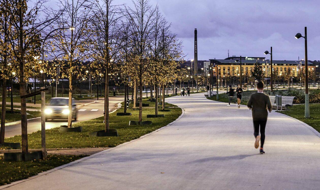 Hardloper in park Groene Loper in Maastricht