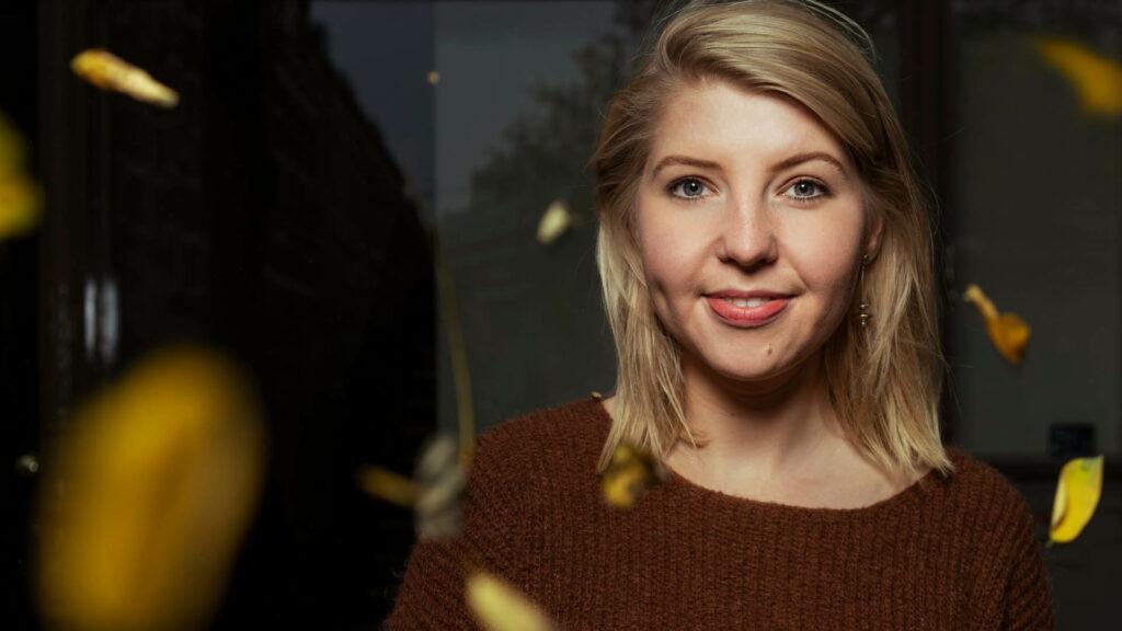 Portretfoto Femke Tiegelaar
