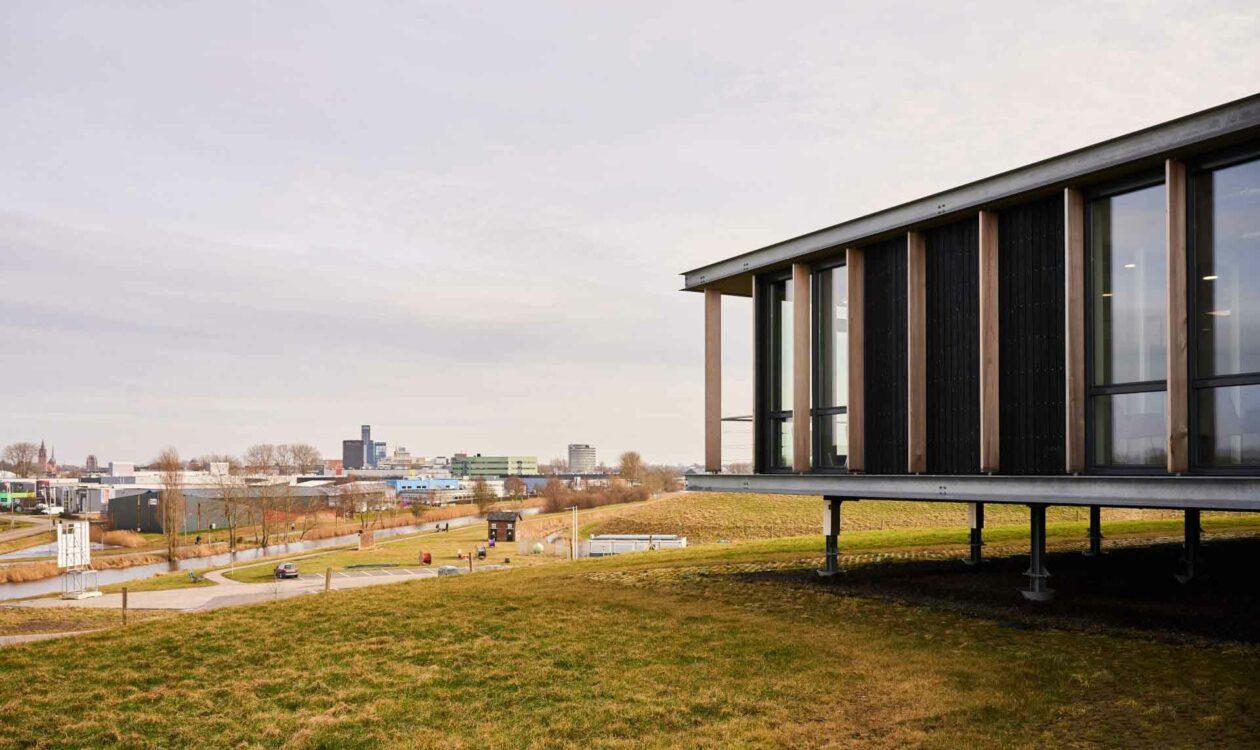 Energiekenniscentrum Leeuwarden op voormalige afvalberg