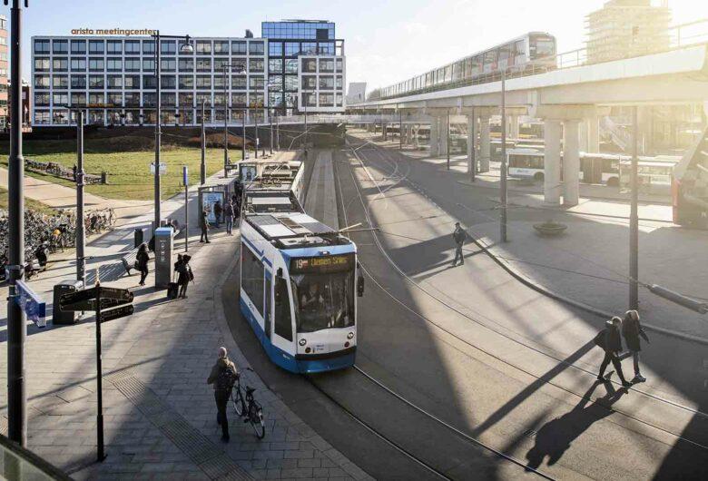 Stationsgebied met Tram-, trein en metro in Sloterdijk Amsterdam