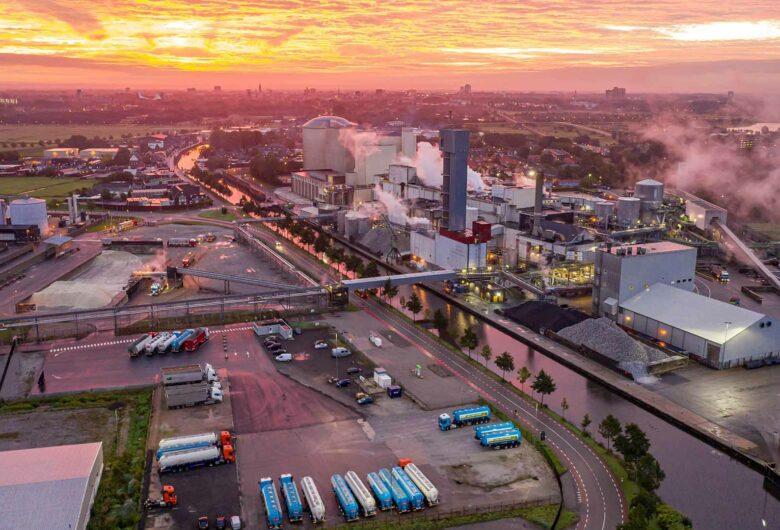Luchtfoto Suiker Unie Groningen zonsondergang