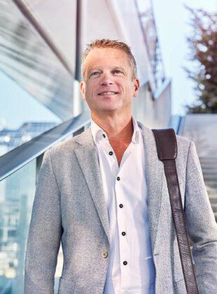 portretfoto Wouter van Essenberg HR Directeur Sweco