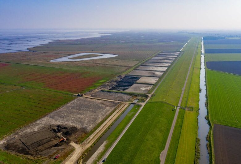 luchtfoto van de Brede Groene Dijke Hunze en Aa's